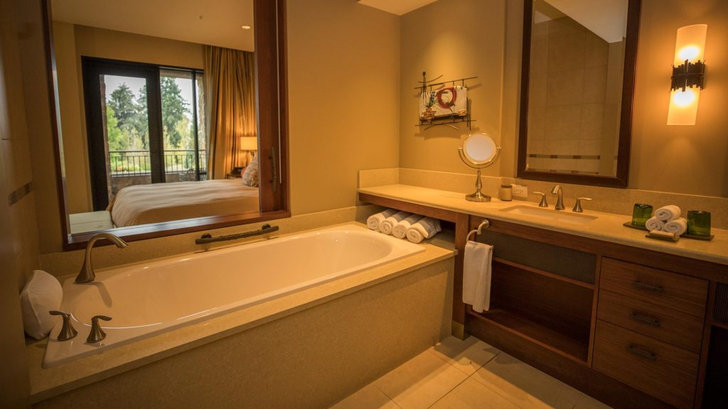 Guestroom With Deep Soaking Tub At The Allison Inn And Spa