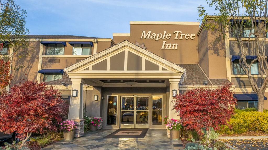 Maple Tree Inn Front Entrance Daytime